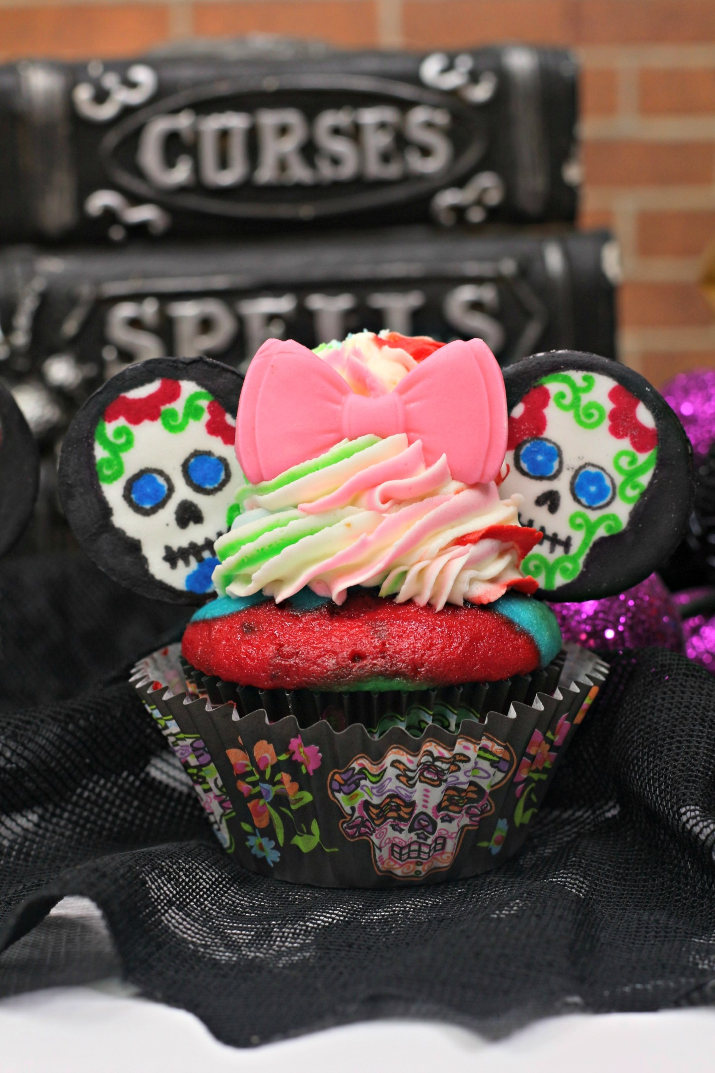 Day of the Dead Minnie Mouse Cupcakes