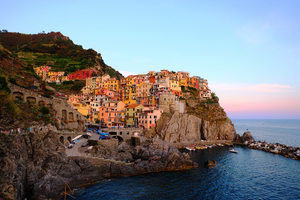 One of the best Cinque Terre photo spots. Manarola at sunset (1)