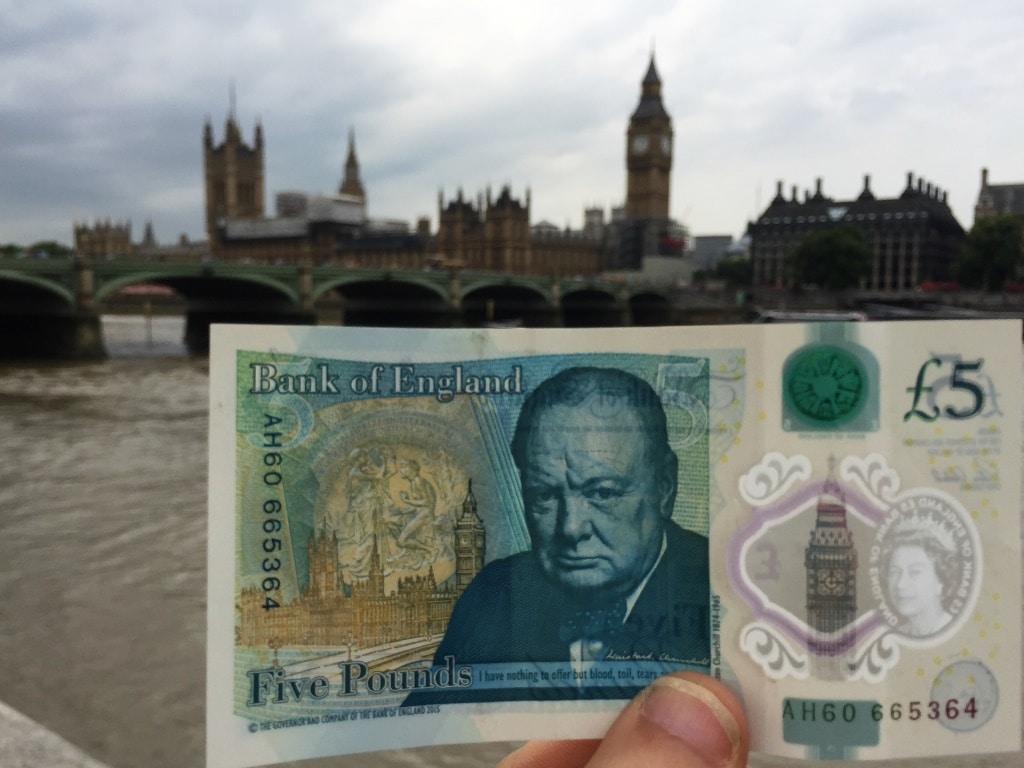 The British £5 note and London's Houses of Parliament