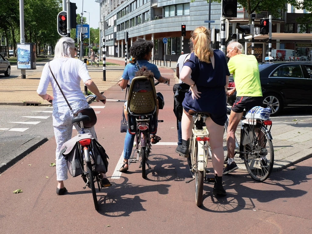 Top cycling cities - all ages, all genders, all races, all cycling together!