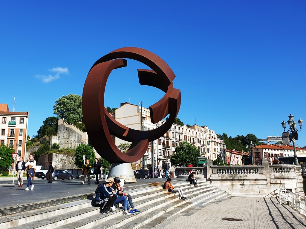 The alternative ovoid sculpture in Bilbao