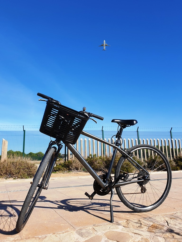 Hire bicycle and a plane departing Palma airport