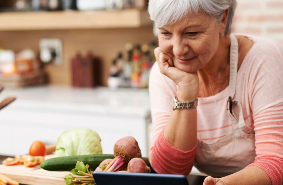 nutrients-elderly-parents-big-hearts