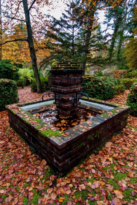 a fountain in autumn at südwestkirchhof stahnsdorf #südwestkirchhof copyright andreas reich 2013