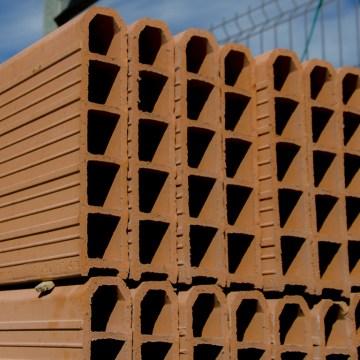 BLOQUES Y LADRILLOS - PRODUCTOS DE CONSTRUCCIÓN Y ESTRUCTURAS EN BENIDORM, ALTEA, DENIA Y CALLOSA
