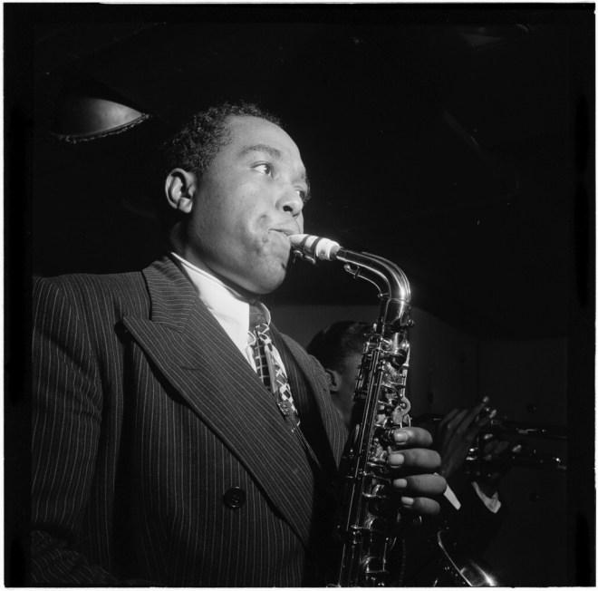 Charlie_Parker_in_1947