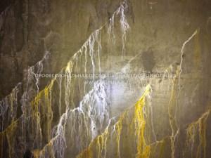Протечка воды в подвале через конструкционные трещины