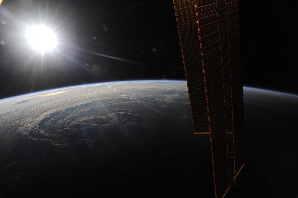 1372 Невероятные фото из космоса астронавта Дугласа Уилока
