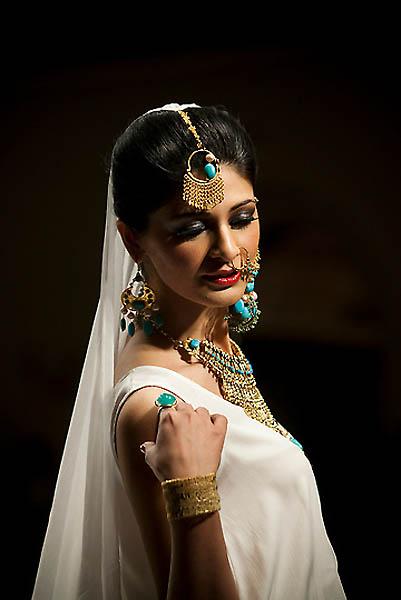 fashion14A.sJPG 900 540 0 95 1 50 50.sJPG  Исламабадская неделя моды