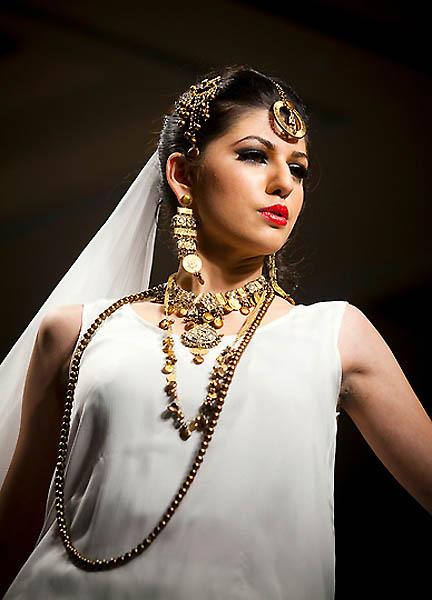 fashion17A.sJPG 900 540 0 95 1 50 50.sJPG  Исламабадская неделя моды