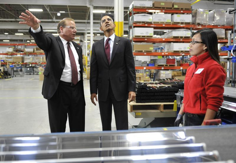 Obama tours Wisconsin factories