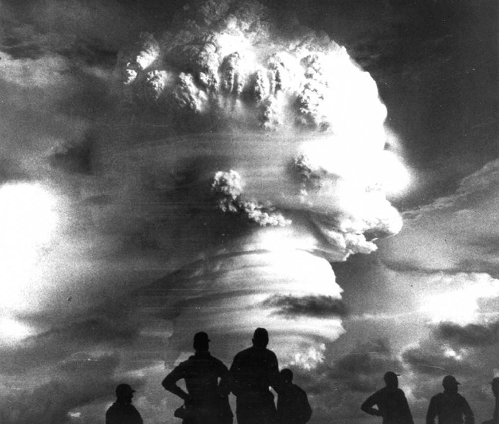 2717 990x841 Испытания ядерного оружия