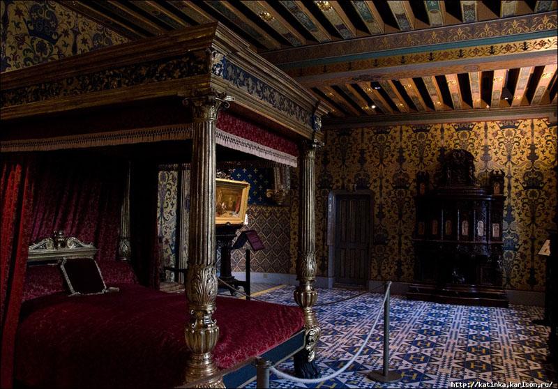 00821 Скромное обаяние французской аристократии