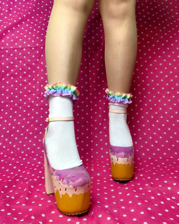 pastel-rainbow-kawaii-cute-white-ankle-socks