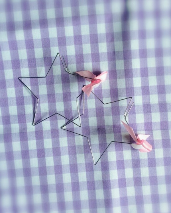 silver-star-hoop-earrings-pink-kawaii-bows-cute