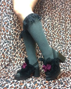 knee-high-grey-black-hosiery-socks