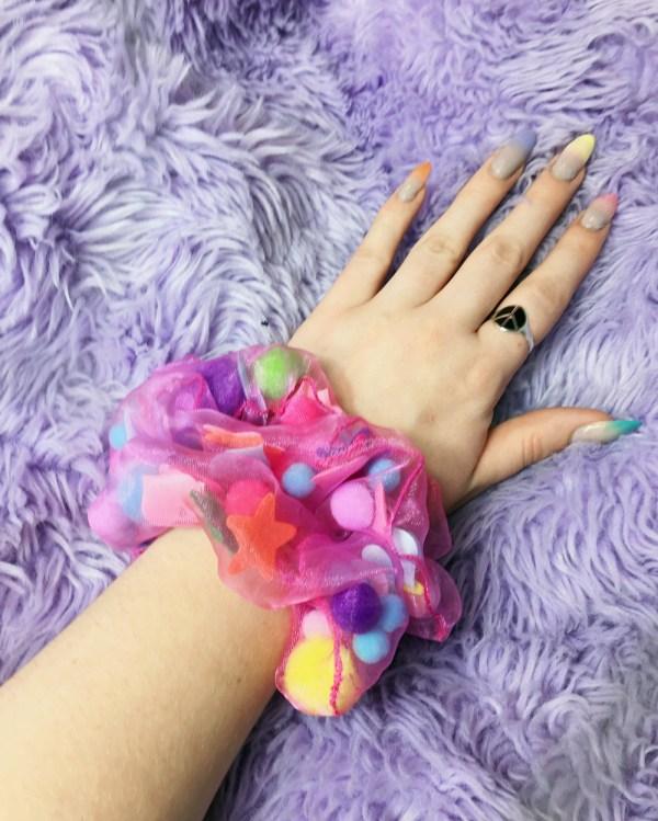 rainbow-organza-confetti-scrunchie