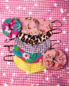 cute-kawaii-face-masks-gingham-flowers-floral-pink-pastel