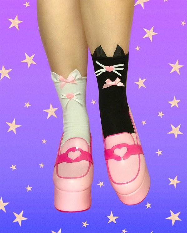 black-and-white-kawaii-kitty-cat-ankle-socks