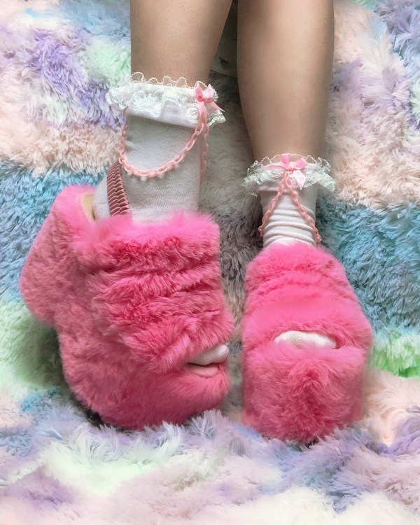 kawaii-white-and-pink-chain-bows-y2k-pastel-ankle-socks
