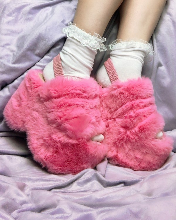 white-cute-socks-iridescent-frilly-lace-kawaii-fairy-kei-socks-y2k
