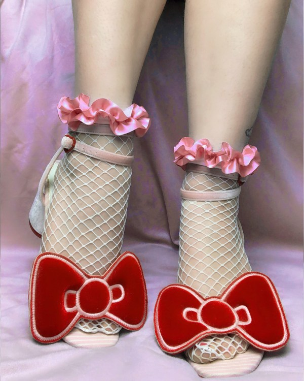 white-fishnet-socks-pink-pastel-ruffle-ribbon-y2k-kawaii-stockings