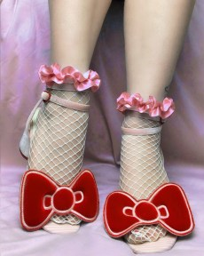 white-fishnet-socks-pink-pastel-ruffle-ribbon-y2k-kawaii-stockings