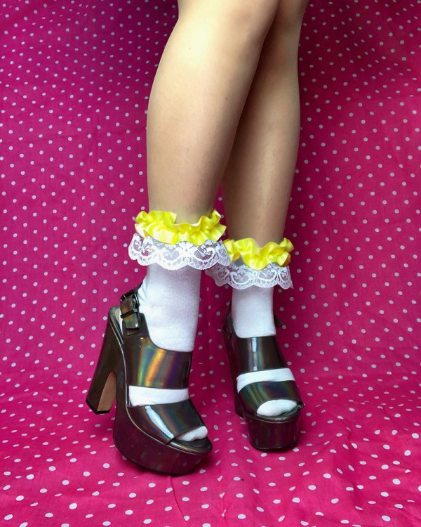 cute-lace-yellow-frilly-white-ankle-socks