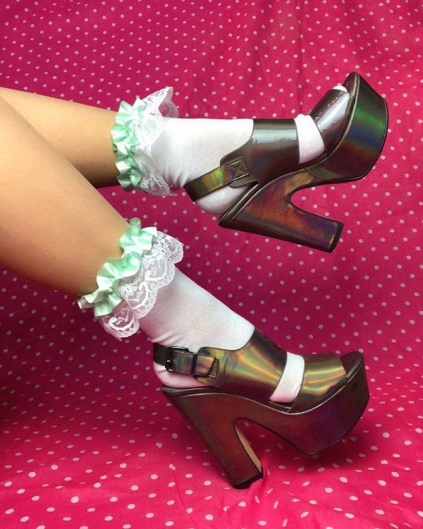 pastel-mint-green-white-lace-ruffle-frilly-ankle-socks