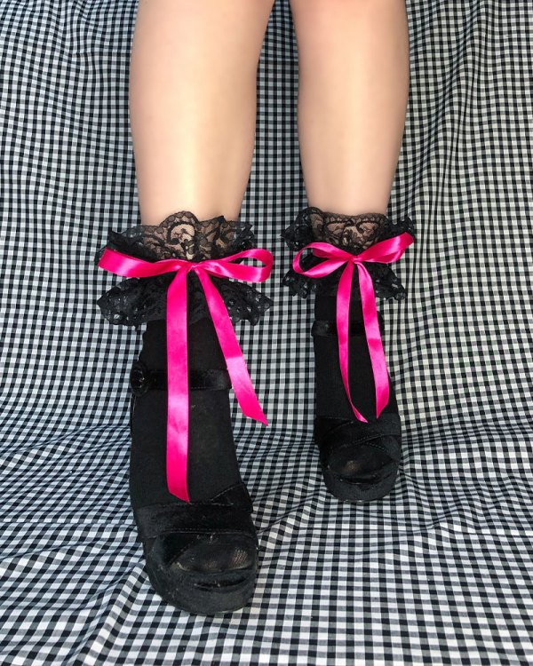 black-bow-tie-socks-rose-hot-pink-cute-ankle-socks