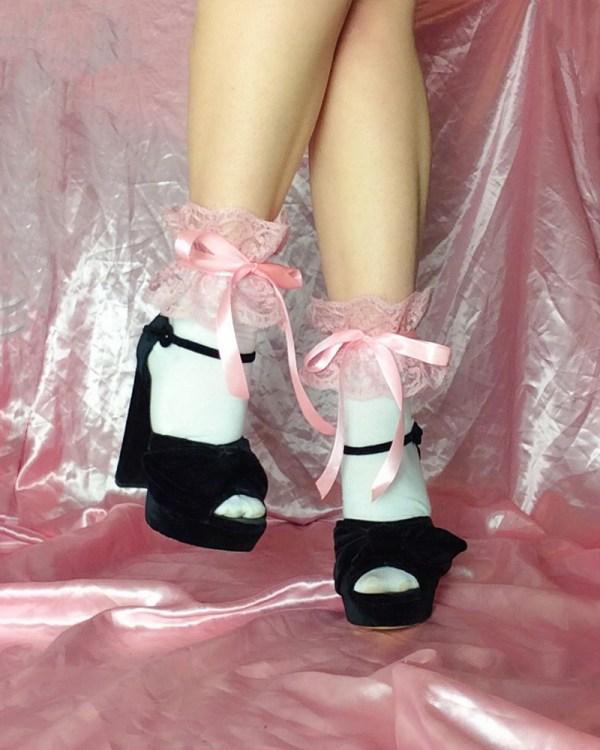 kawaii-pink-frilly-lace-socks-satin-ribbon-bow-ties