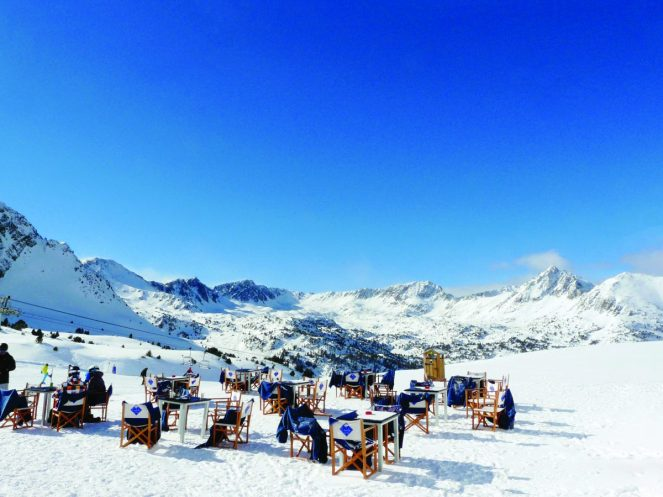 andorra-ski-area-outside-seating_31595671613_o_31606652733_o