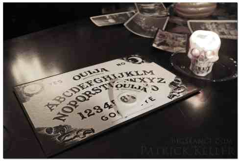 Ouija Séance on All Hallows Eve, Big Séance