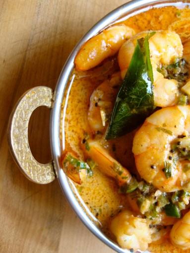 Shrimp in Aromatic Tomato Sauce https://bigsislittledish.wordpress.com/2012/07/13/shrimp-in-aromatic-tomato-sauce/