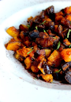Spiced and Roasted Butternut Squash with Dates https://bigsislittledish.com/2016/11/12/spiced-and-roasted-butternut-squash-with-dates/
