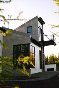 House_with_gravel.jpg