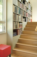 Dynia knew the owner had lots of books; almost every room (and even the stairway) has some sort of built-in shelving.