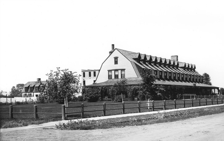 The Historic Sheridan Inn where Hemingway retreated in 1928 to work on A Farewell to Arms. Photo from the J. E. Stimson Collection, Wyoming State Archives, Department of State Parks and Cultural Resources