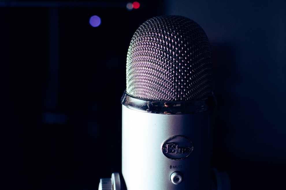 broadcast live audio on Twitter