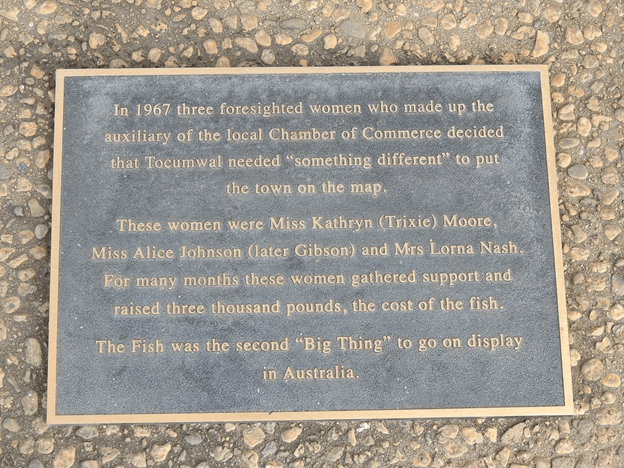 The big murray cod monument