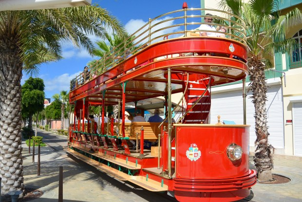 Free trolley in Aruba