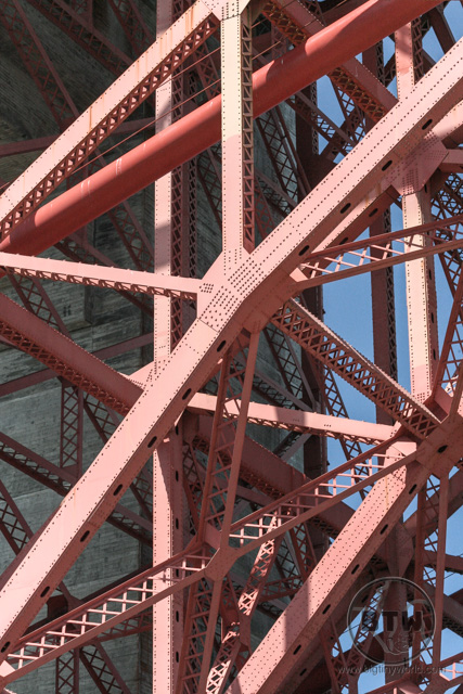 Detail image of the steel criss-crosses of the Golden Gate Bridge in San Francisco | BIG tiny World Travel