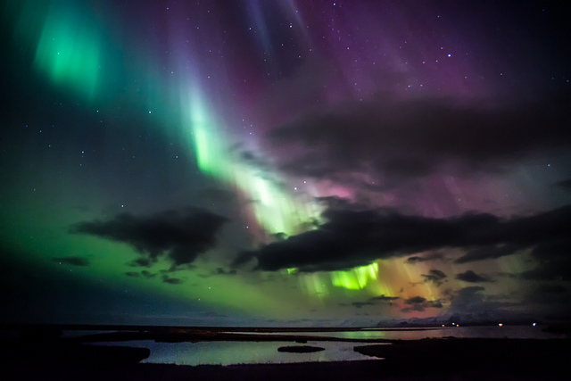 iceland_northern_lights-greenzowie