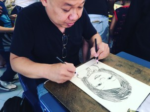 2 hands caricature artist