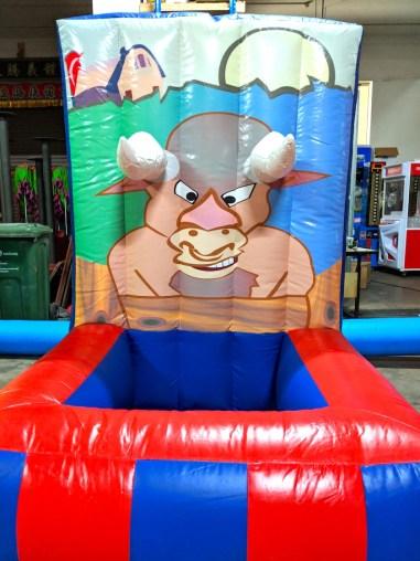 Bull Horn Toss