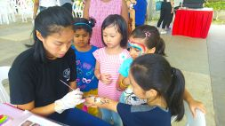 Hand and face painting service