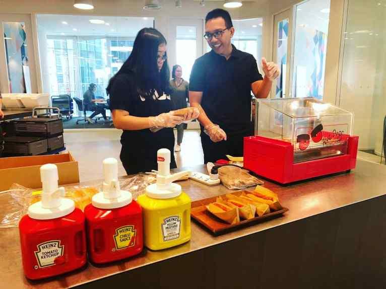 Live Hotdog Station for Hire Singapore
