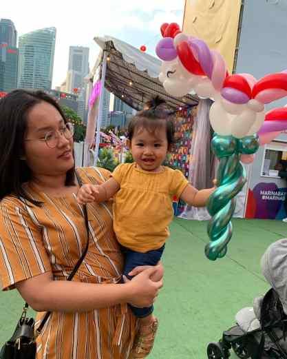 Marina Bay Prudential Carnival Balloon Sculpting