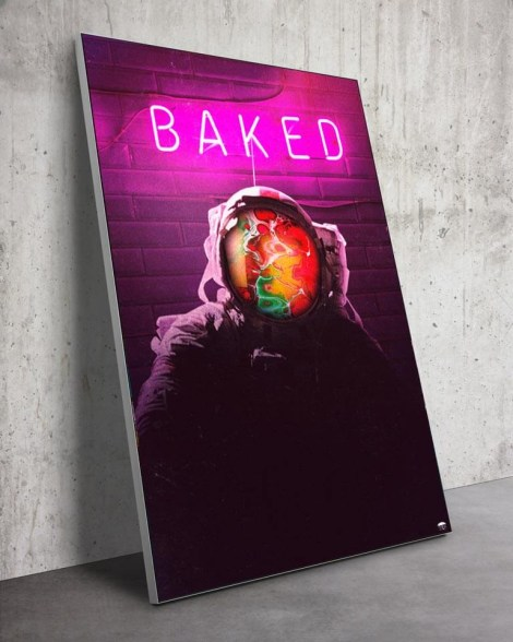Large-Baked-Astronaut-Neon-Wall-Art-Seamless