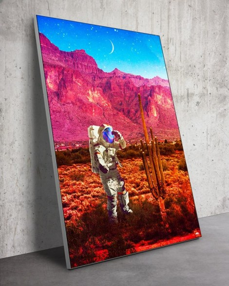 Large-Desert-Astronaut-Wall-Art-Seamless